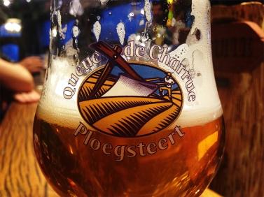 Belgaleiro - Ploegsteert, uma das muitas cervejas/Eén van de vele bieren